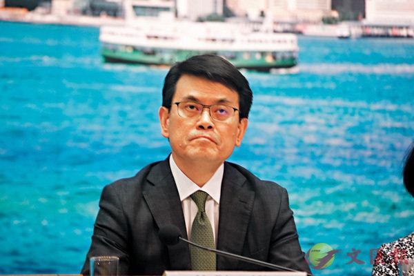■邱騰華稱,針對中小企措施不少均由中小企提出,構思上有一定承接性。香港文匯報記者攝