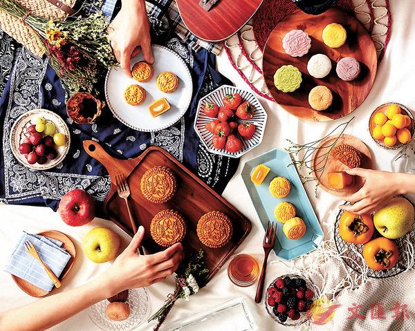 ■中秋節將至,不論送禮還是自用,月餅都是必備之選。