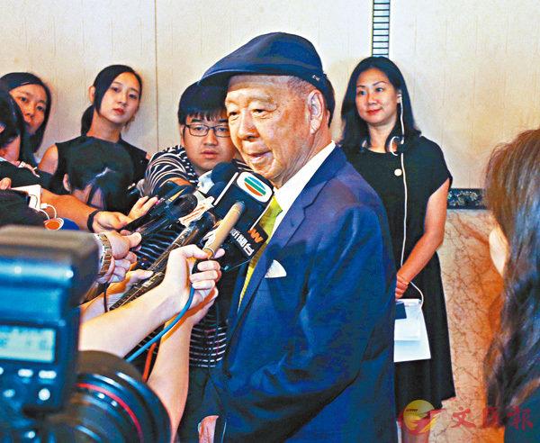 ■呂志和表示,暴力只會影響香港經濟。 香港文匯報記者  攝