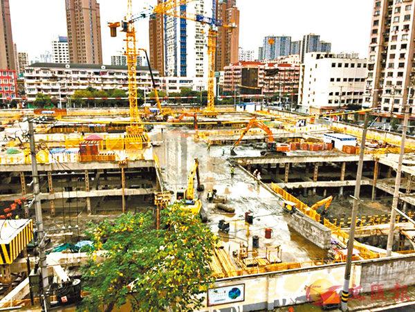 ■圖為上海超級地王項目開工時情形。網絡圖片