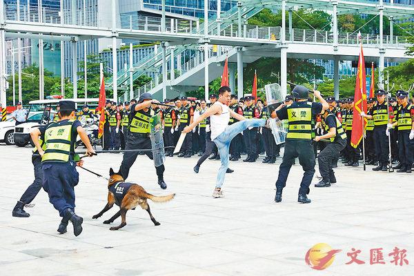 ■義警演練現場。 香港文匯報記者石華  攝