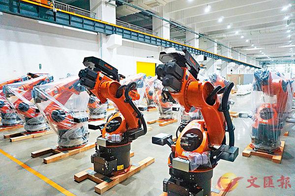 ■位於佛山順德的KUKA機器人公司生產的機器人產品。