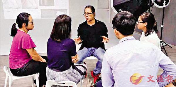 ■深圳花火光映合夥人朱冠球在培訓中,期望借由基地可以拓展一些客戶資源。受訪者供圖