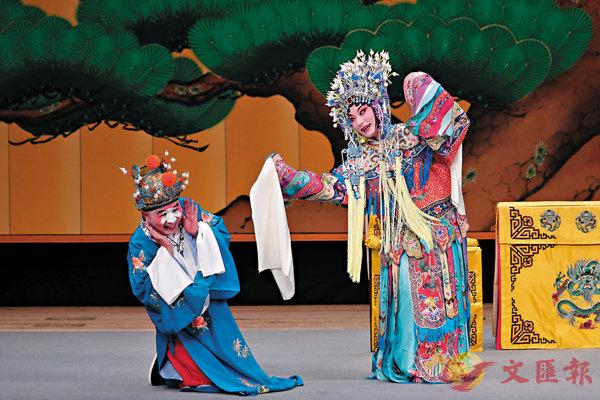 ■演員表演京劇《貴妃醉酒》。