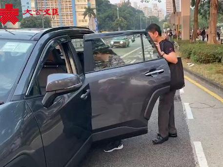 港大埔幾成孤島 熱心車主義載被困市民