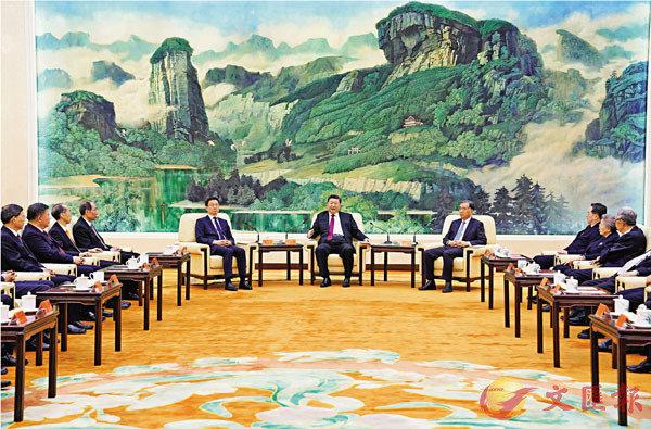 ■1月14日,習近平、汪洋、韓正等在北京人民大會堂同黨外人士歡聚一堂,共迎佳節。 新華社