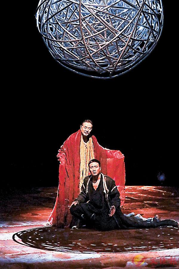 ■「2019南京戲劇節」演出了新版《哈姆雷特》。
