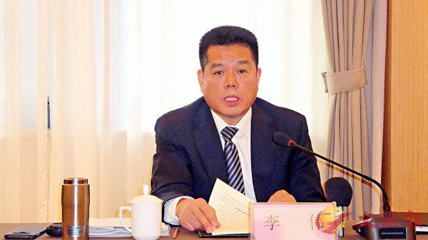 ■李偉表示,兗礦集團今年力爭利潤總額120億元以上。記者丁春麗  攝