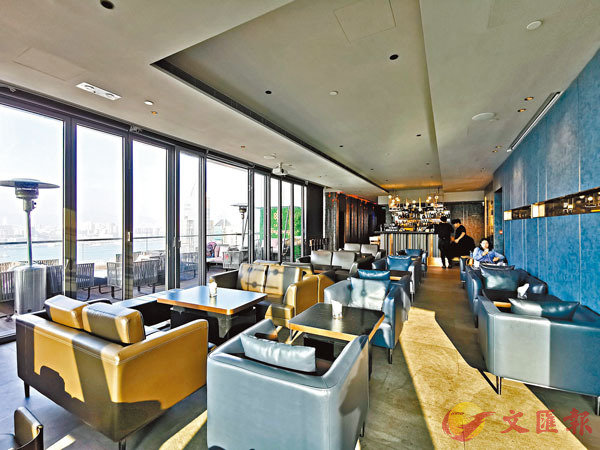 ■Zeng擁有270度維港景致,並設露天位置,讓食客舒適用餐。