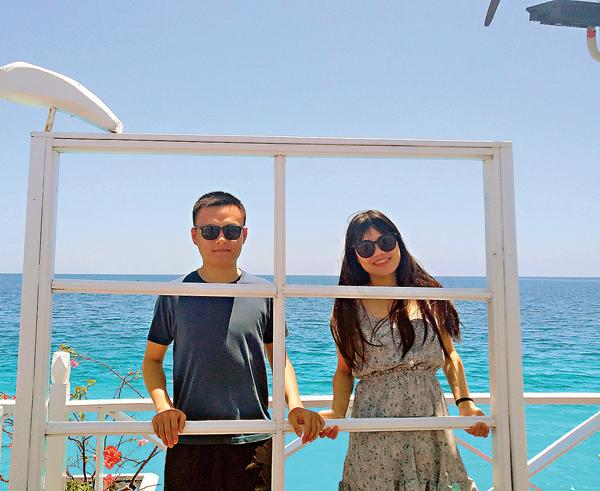 梁玉嬋(右)和男朋友合照。 受訪者供圖