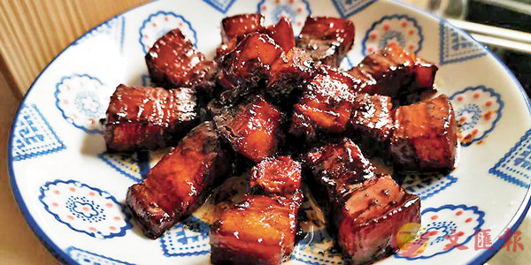 ■煮紅燒肉考的是無盡的悉心耐心細心靜心。 作者提供