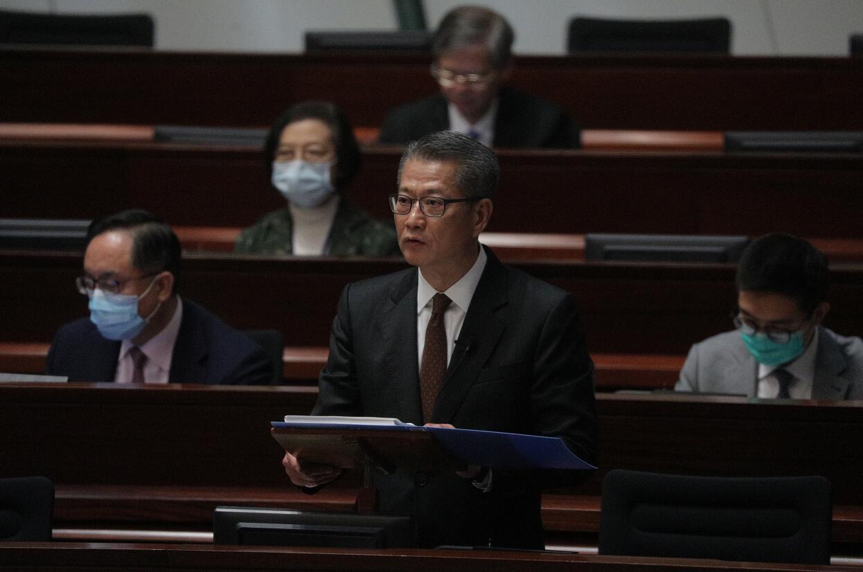 財政預算案¡U陳茂波¡G向十八歲或以上香港永久性居民發放一萬元