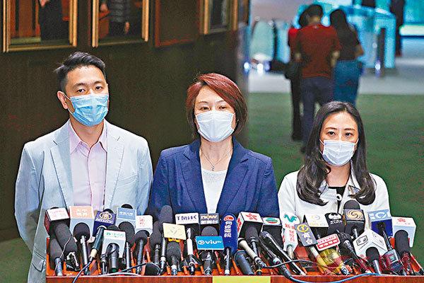 ■ 民建聯認為,香港現正面對三大挑戰,期望新官能放下身段貼地溝通。 香港文匯報記者 攝
