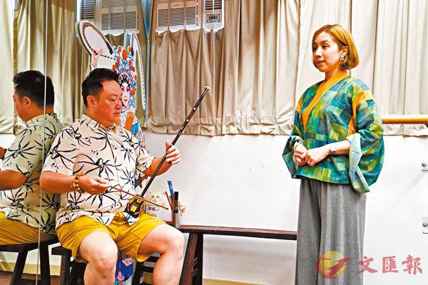 ■高潤鴻(左)與謝曉瑩仍照常排練。