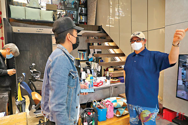 ■ 陳禮善旗下分店,每張工作�^都充滿玩味及個人特色。香港文匯報記者  攝