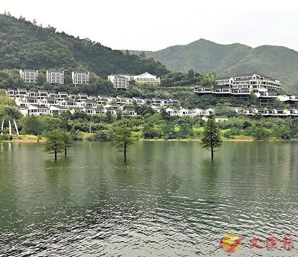 ■度假村依山而建,範圍太大,只有坐遊船才可觀賞全貌。