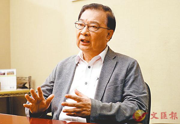 譚耀宗接受香港文匯報記者專訪時表示,中央訂立的港區國安法體現「一國兩制」、香港實際情況,也很信任特區。 香港文匯報記者  攝
