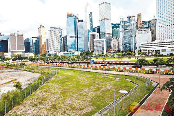 ■ 中環新海濱商業地王佔地4.79公頃,市場估值高達661.2億元。 香港文匯報記者  攝