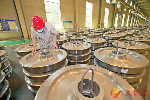 ■中國第二季工業企業利潤同比增長4.8%,遠較第一季下降36.7%理想,刺激A股向好。中新社