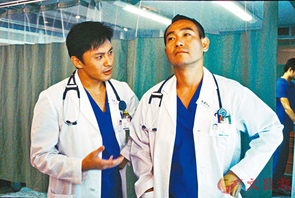 ■曹永廉(左)最喜歡自己在《妙手仁心》中的角色。
