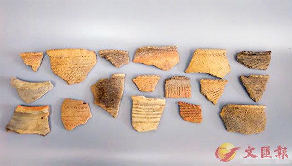 ■出土的陰線刻龍鳳組合紋陶器年代為晚商時期,是目前我國發現最早的有「龍鳳呈祥」圖案的陶器。 資料圖片