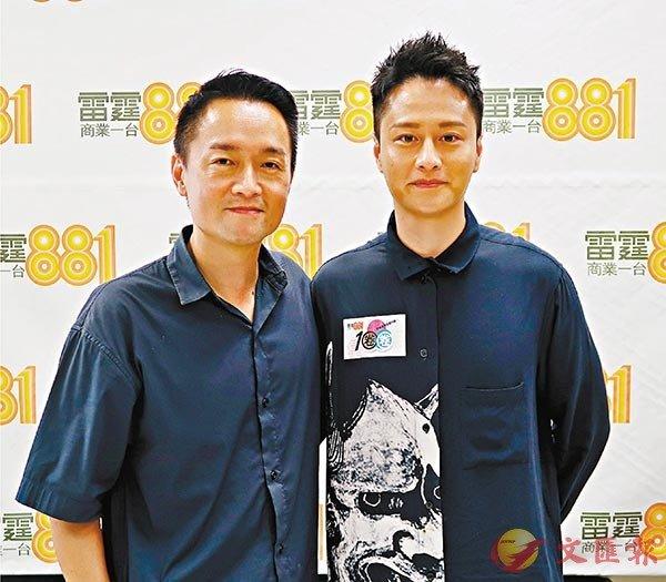 ■謝東閔(右)自言是巨聲幫中拍劇最多的一個。