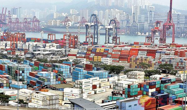 ■葵涌貨櫃碼頭群組增三名碼頭員工確診。 資料圖片