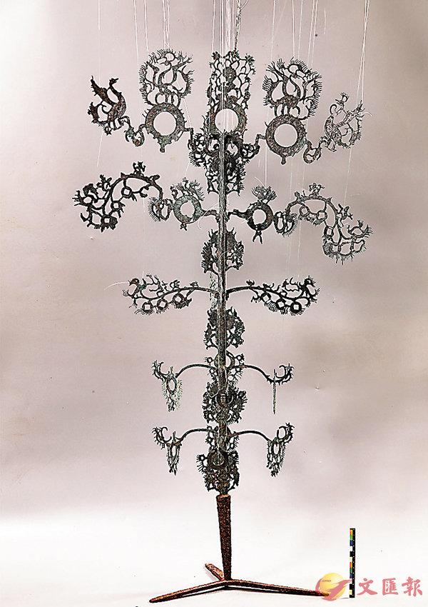 ■ 漢代青銅搖錢樹經修復後重新煥發光彩。 受訪者供圖