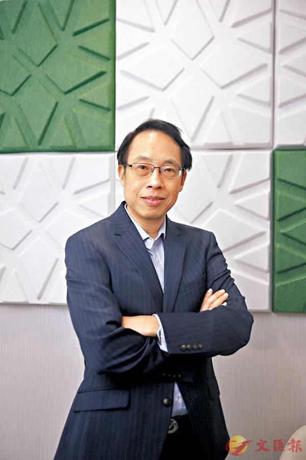 ■ 香港銀行學會高級顧問陳鳳翔。