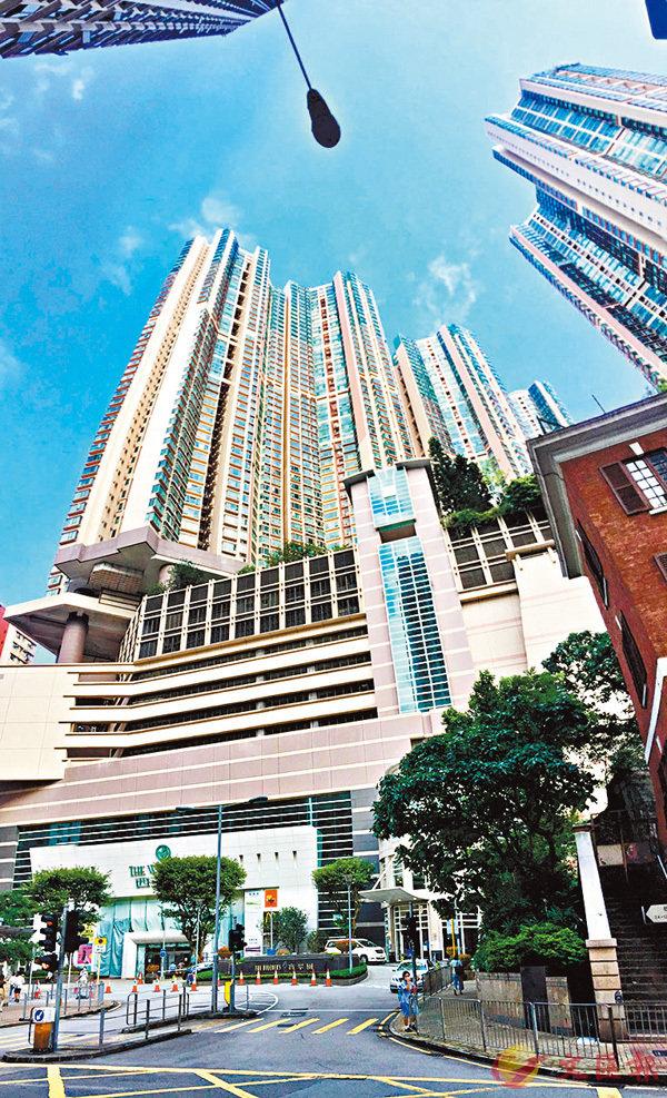 ■西半山豪宅寶翠園前身為西環政府高級公務員宿舍,是首個以合作社建屋的試點。 香港文匯報記者  攝