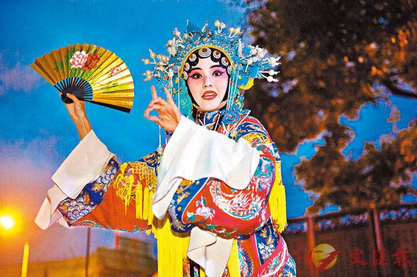 ■演員演唱京劇《貴妃醉酒》。