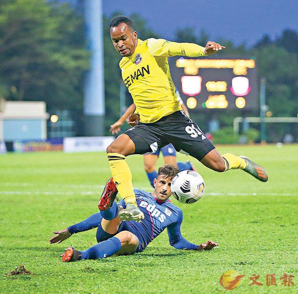 ■理文(黃衫)只要贏波便出線。 香港文匯報記者黎永淦 攝