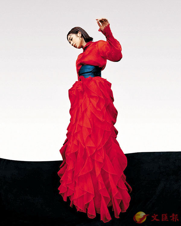 ●SHIATZY CHEN 正紅造型