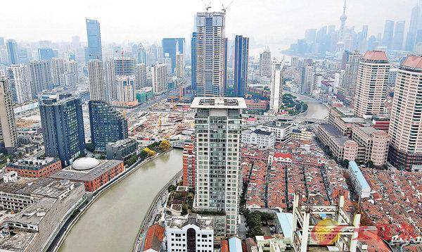 ●第一太平戴維斯指,上海住宅去年累計成交921萬平方米,同比增21%,成交均價亦漲2.8%。 資料圖片