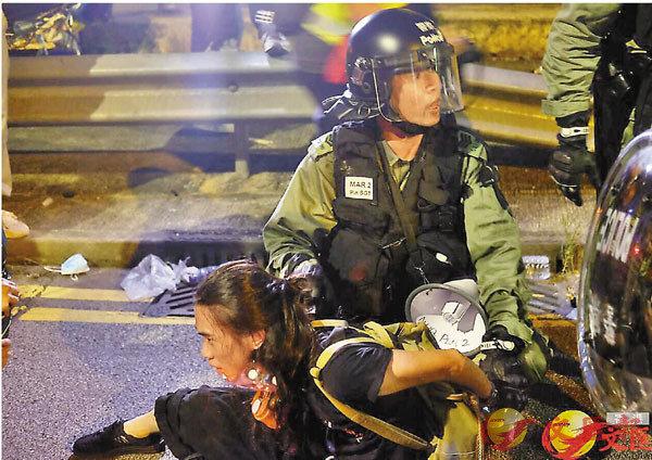 ●警方當日以阻撓警務人員執行職務,將劉家棟拘捕。 資料圖片