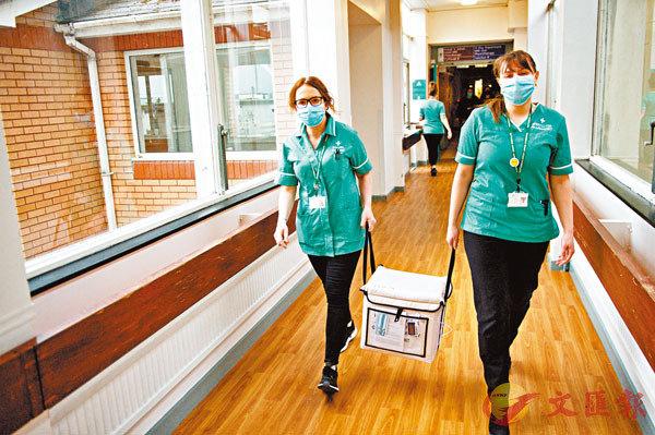 英國專家建議暫停30歲以下人士接種阿斯利康。 法新社